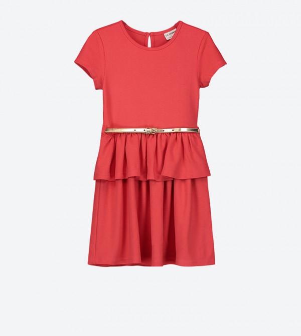 فستان بأكمام قصيرة وحزام على الخصر لون أحمر