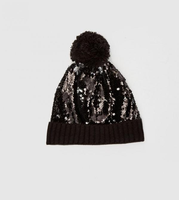 قبعة تريكو مزيّنة بالترتر