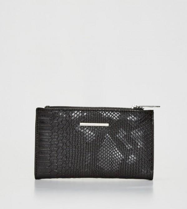 محفظة بنمط جلد الثعبان
