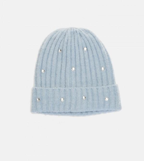 قبعة تريكو مطرزة بأحجار