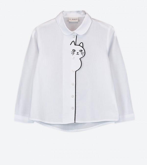 قميص مع أزرار للإغلاق ورسوم مطبّعة لون أبيض