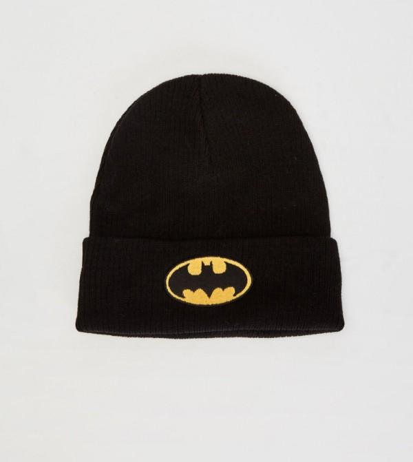 قبعة تريكو مطرزة بشعار باتمان