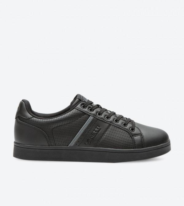 حذاء كاجوال بلون أسود