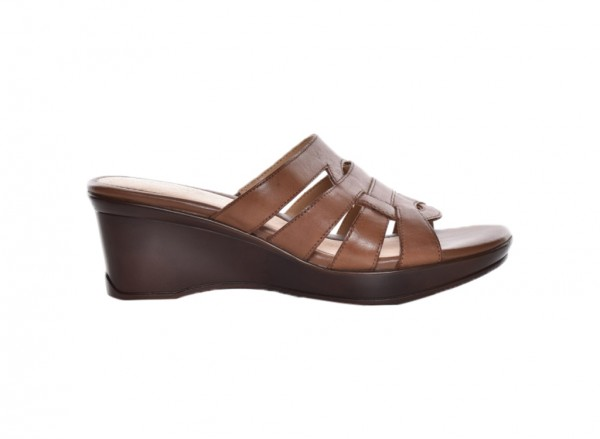 Navalora Tan Footwear