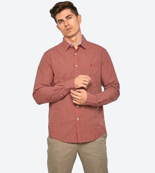 قميص بأكمام طويلة لون أحمر