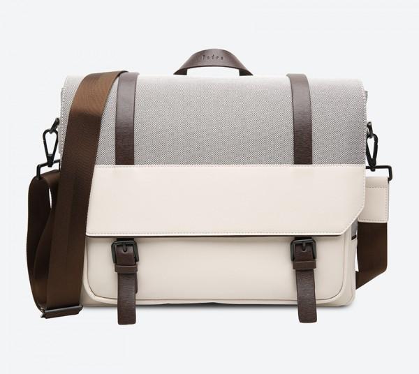 حقيبة بلون بيج