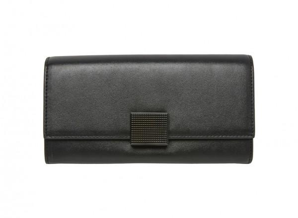 محفظة بلون أسود