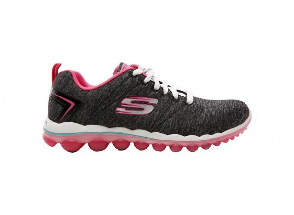 حذاء سويت لايف لون أسود وزهري