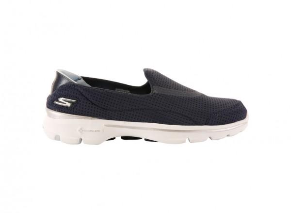حذاء غو ووك 3 انفولد لون كحلي