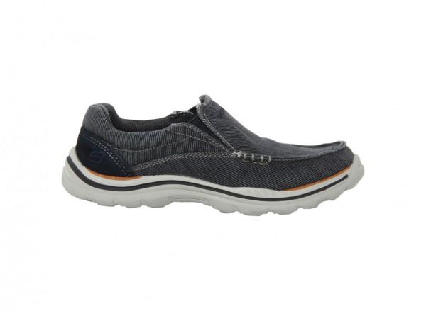 حذاء اكسبيكتيد لون أزرق