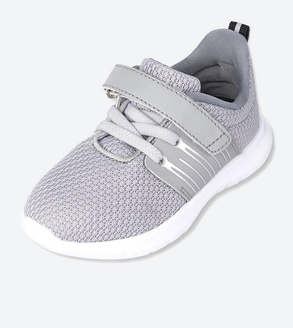 حذاء بشريط لاصق لون رمادي