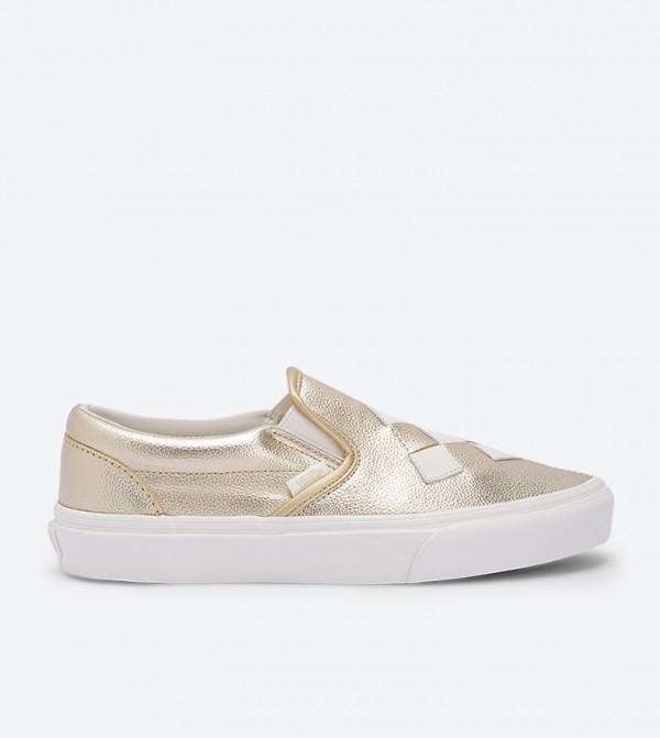 حذاء سهل الإرتداء بنمط مربعات لون ذهبي