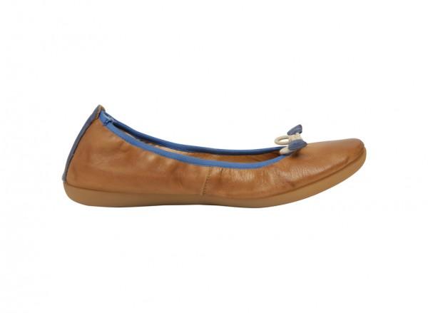 حذاء باليرينا بنى