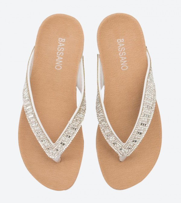 low priced 4d837 d0466 Beaded Strap Detail Round Toe Flip Flops - White WLLS19-42