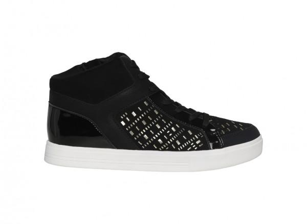 20110201-BONDO-BLACK