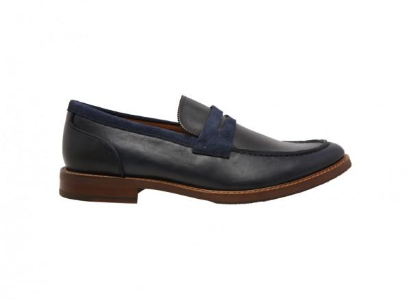 حذاء لوفرز أراريكيا كحلي