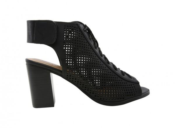 Adreliven Black Shoes