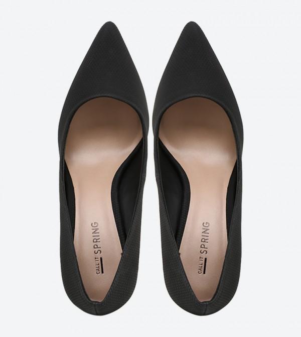 fa61fc6de حذاء بلون أسود