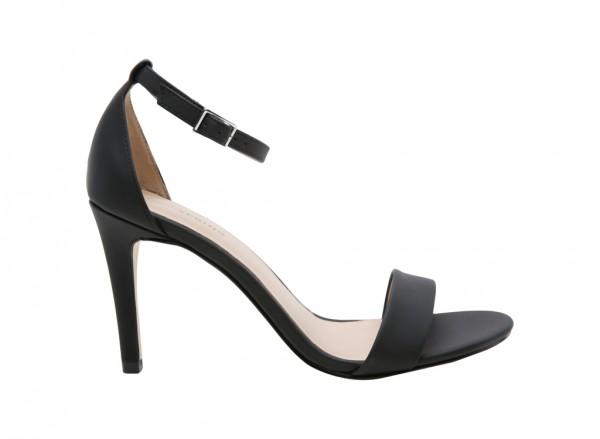 Wayalanda Black Sandals