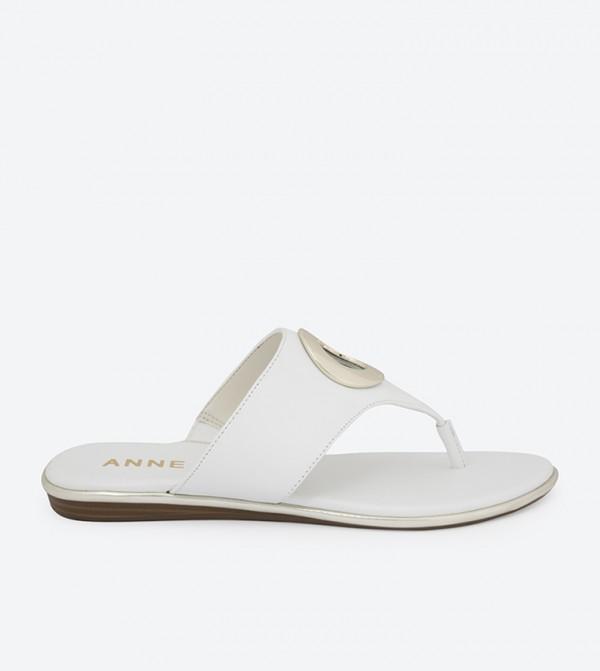 AKAKGIA-WHITE