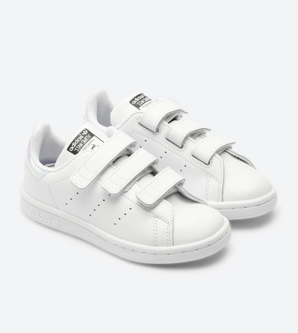 ca4413d00 حذاء ستان سميث سي اف بلون أبيض