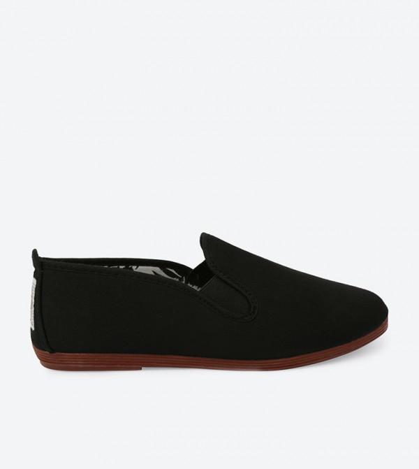 ARNEDO-BLACK-CANVAS