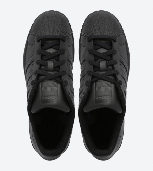 709cde524eb8b حذاء سوبر ستار فاونديشن بلون أسود