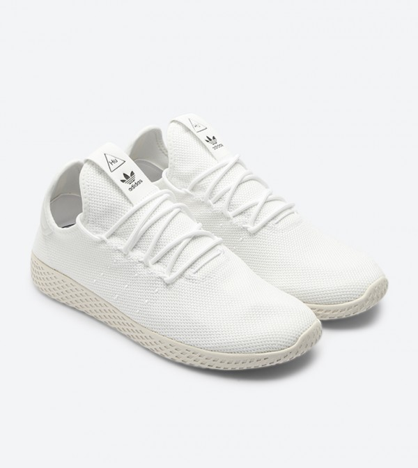 04abede00 Pharrell Williams Tennis Hu Sneakers - White B41792