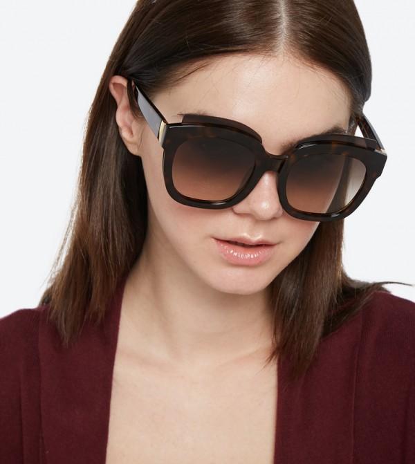 3d8368241 نظارات شمسية كبيرة الحجم بلون بني