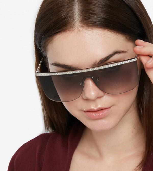 3024a8b30 نظارات شمسية كبيرة الحجم بلون فضي