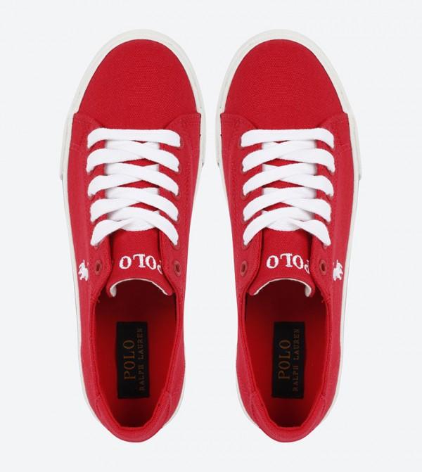 d597b24f4 حذاء بلون أحمر