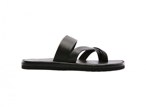Feel-Ing Good Black Sandals