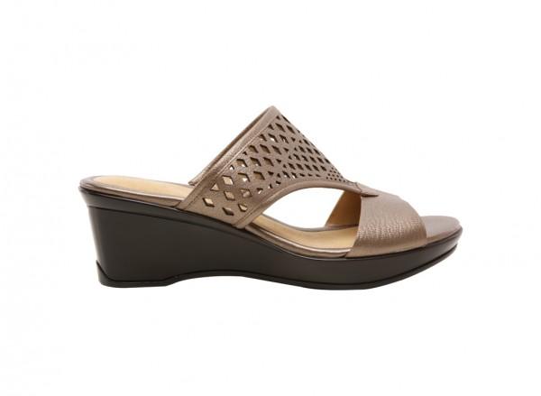Naviola Platina Footwear