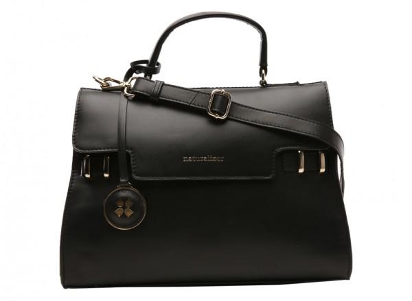 حقيبة بلون أسود