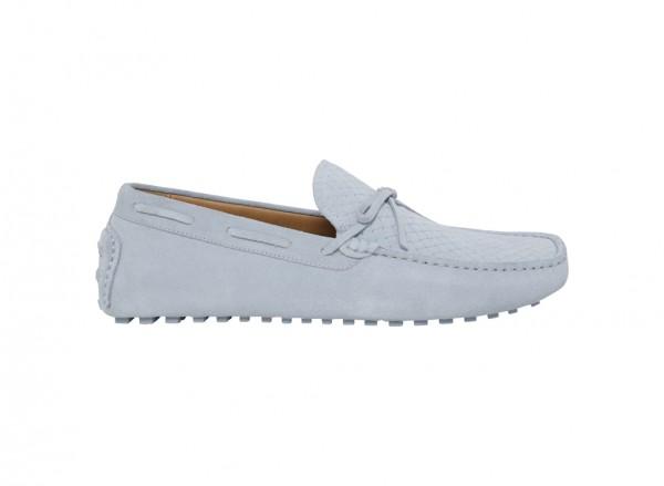 حذاء لوفر بلون أزرق فاتح