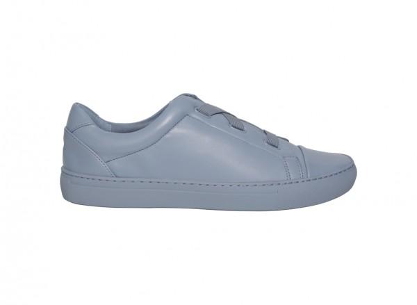حذاء سنيكرز أزرق