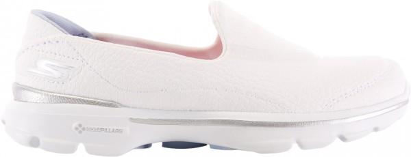 حذاء غو ووك 3 ريفايف لون أبيض